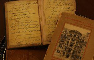 antique-books-101577_1280